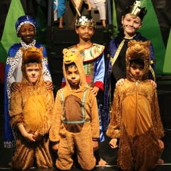 """Year 1 and 2 Nativity Play 176 • <a style=""""font-size:0.8em;"""" href=""""http://www.flickr.com/photos/153285254@N08/46164371482/"""" target=""""_blank"""">View on Flickr</a>"""