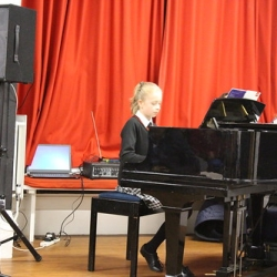 """copthorne-prep-year-7-and-8-music-concert 2 • <a style=""""font-size:0.8em;"""" href=""""http://www.flickr.com/photos/153285254@N08/32144040178/"""" target=""""_blank"""">View on Flickr</a>"""